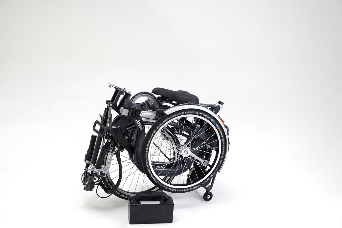 _triciclo-grigio_batteria4